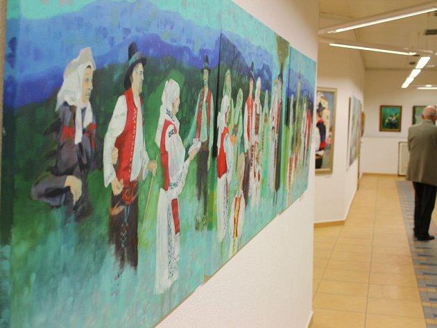 Zdeněk Hudeček vystavuje své obrazy v uherskohradišťském Klubu kultury.