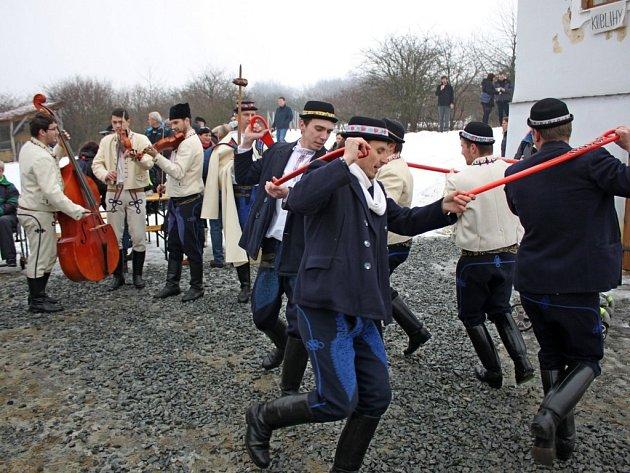 První akce letošního roku přilákala v sobotu stovky lidí do Muzea v přírodě Rochus na slováckou zabijačku a za masopustními tradicemi.