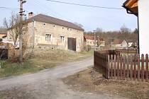 V osadě Maršov žije dvaadvacet stálých obyvatel.