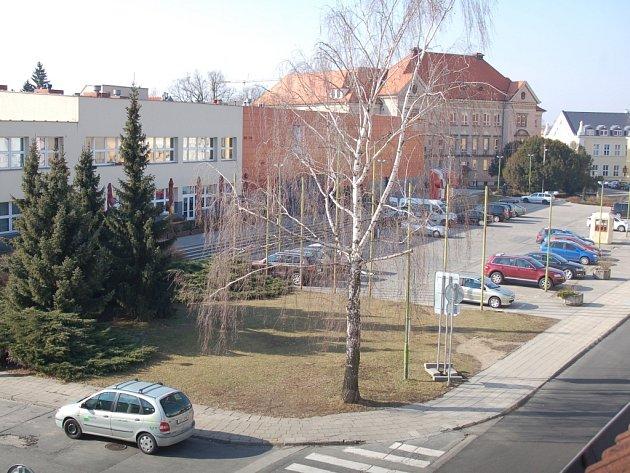 Osud parkoviště je zpečetěn, na jeho místě budou stát byty a kanceláře.