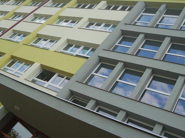 Nové zateplení školních budov ušetří milion korun ročně.