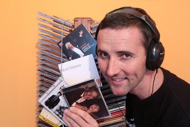 """Najít si chvilku na dobrou muziku je také čím dál tím těžší. Ale dát si třeba Dvořákovu """"Novosvětskou"""" pořádně do beden (raději než do sluchátek) - to je nádhera."""