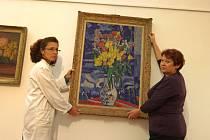Výstava Přírůstky 1992 – 2012 ve Slovácké galerii v Uherském Hradišti. Na snímku obraz Václava Špály Kytice z roku 1934.
