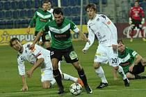 Uherské Hradiště Fotbal Gambrinus liga 1. FC Slovácko - FK Baumit Jablonec. Zleva Libor Došek, Luboš Loučka a Marek Havlík.