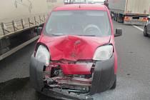 Divokou jízdu kola uvolněného z kamionu odskákal Citroen.
