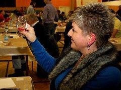 Degustace 750 vzorků vín v Jalubí se zúčastnil rekordní počet, a to 83 porotců.