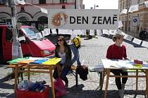 Masarykovo náměstí v Uherském Brodě se ve středu 23. dubna stalo prostorem, kde si zejména ti nejmenší mohli užít oslav Dne země.