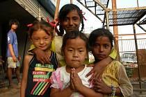 V největším uprchlickém táboře v okolí Pokhary žije na 1000 lidí a přes 150 rodin