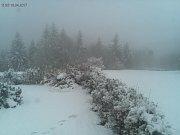 Na Mikulčině vrchu napadlo 10 cm sněhu.