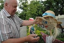Strašáci do zelí vznikly z výtvarné soutěže dětí ze Slovácka.