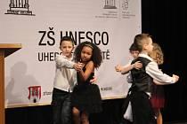 ZŠ UNESCO podala přihlášku do mezinárodního programu. Tento akt doprovodilo slavnostní odpoledne v Uherském Hradišti.