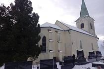 Kostely pod sněhovou peřinou.