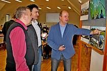 Skládkování jako nejhorší způsob ukládání odpadu bylo ve čtvrtek 4. prosince celodenním tématem mezinárodní konference. Ve společenském sále Turistického centra Velehrad se jí zúčastnila stovka starostů ze Zlínského kraje i ze slovenské Oravy a Trenčína.
