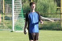 Sedmnáctiletý fotbalista Ostrožské Nové Vsi Daniel Kreisl rozhodl sobotní derby se sousedním Uherským Ostrohem.