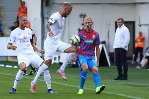1. FC Slovácko (v bílém). Ilustrační foto.