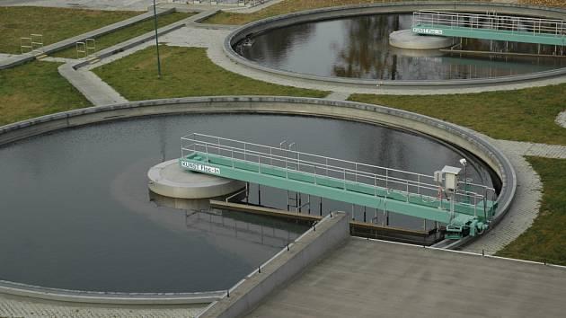 Odpadní vody z některých obcí uherskohradišťska skončí v čističce v metropoli Slovácka.