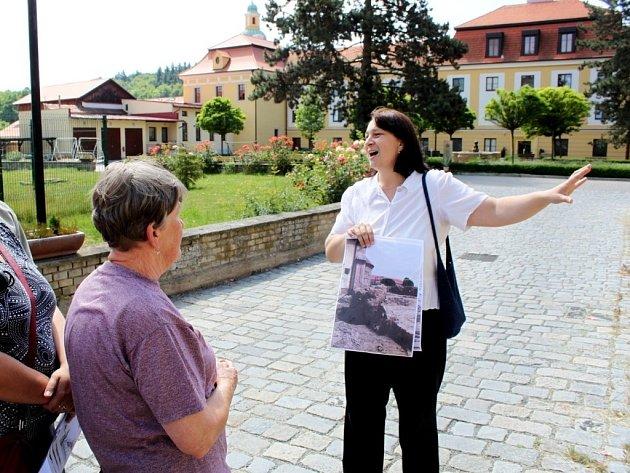 Víkend otevřených klášterních zahrad ve Velehradě přilákala na čtyři komentované prohlídky 200 lidí.