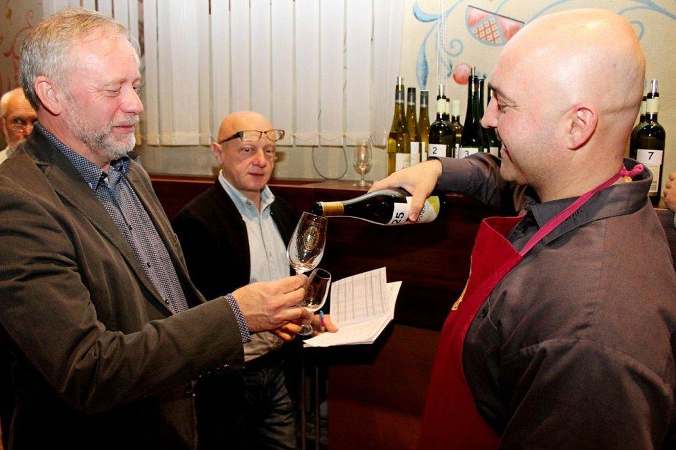 Cisterciácká pečeť  - košt mešních a košer vín na Velehradě