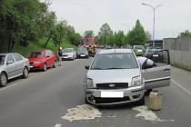 Uherskobrodští profesionální hasiči zasahovali u nehody.