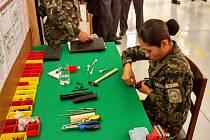 Výrazný úspěch v latinskoamerickém regionu zaznamenala společnost Česká zbrojovka (ČZ). V peruánském armádním závodě FAME v Limě totiž slavnostně otevřeli samostatný prostor pro montáž a opravy pistolí z ČZ Uherský Brod.