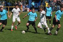 Fotbalisté Ořechova (bílé dresy) i Polešovic o víkendu zvítězili shodně 2:0.