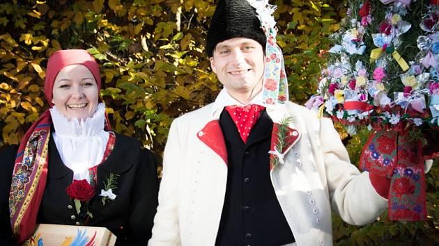 Soutěžní pár číslo 13 - Veronika Horká a Jan Procházka, Buchlovice, starší stárci na hodech 9.-10. listopadu.