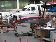 Vstup do areálu Aircraft Industries. Ilustrační foto.