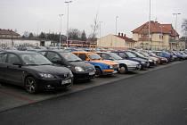 Zástupci uherskohradišťské radnice převzali ocenění za soubor staveb, jehož součástí je také parkoviště u nádraží Českých drah.