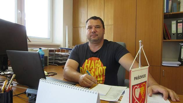 Starosta Pašovic Vlastimil Řezníček.