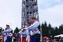 Výskali tanečníci z nedaleké Březové.