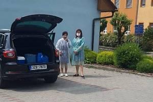 Za imobilními osobami ve Zlínském kraji vyrazil očkovací tým společnosti Medical plus z Uherského Hradiště.