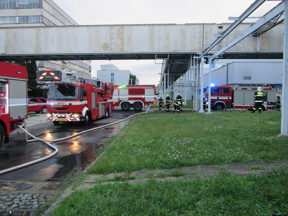Požár galvanovny v Uherském Hradišti.