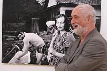 Jindřich Štreit vystavuje ve Slováckém muzeu fotografie dokumentující československou normalizaci.
