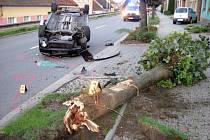 V Dolním Němčí utekl řidič od nehody. Už zase
