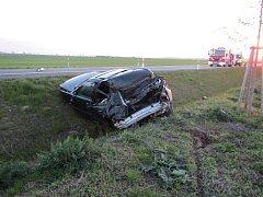 U dopravní nehody v Ostrožské Nové Vsi zasahoval vrtulník