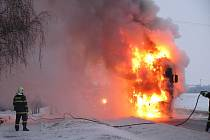 Rozsáhlý požár kabiny nákladního auta v Uh. Ostrohu.