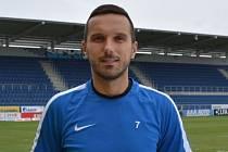 Zkušený třicetiletý útočník Haris Harba se stal třetí posilou fotbalistů Slovácka.
