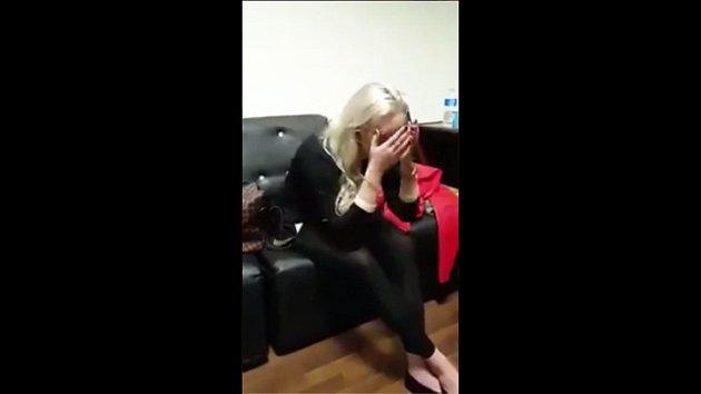 Hradišťanka Tereza H. zadržená vPákistánu za pašování 9kg heroinu uvýslechu.