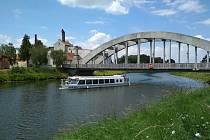 Lodě budou v pravidelných časech vyplouvat z Uherského Hradiště a Veselí nad Moravou.