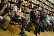 Čtenáři besedovali s odbornicemi přes literaturu.
