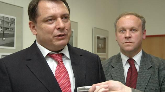 Předsedu ČSSD Jiřího Paroubka doprovázel Antonín Seďa, poslanec Parlamentu.