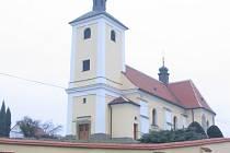 Kostel Všech Svatých v Hradčovicích.
