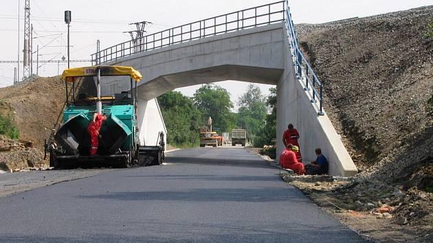 Železniční most mezi Uh. Hradištěm a Starým Městem - 26. června