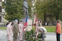 Slavnostní položení věnců u sochy T. G. Masaryka při příležitosti vzniku samostatného československého státu se konalo i 27. října 2008 v Kroměříži na Masarykově náměstí.
