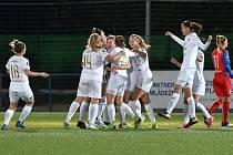 Fotbalistky Slovácka v 10. kole první ligy žen porazily plzeňskou Viktorii 1:0 a přeskočily ji na třetím místě.