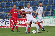 Podobných soubojů absolvuje Vlastimil Daníček v každém zápase spoustu.