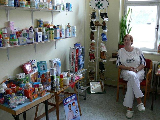 Magistra Jana Kučerová z Kvasic už osmnáct let vede malou vesnickou lékárnu.