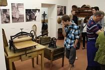 Na Muzejní noci v Muzeu Bojkovska se představila nová expozice Moravské Kopanice s autentickým ztvárněním kopaničářského domu.