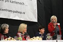 Na konferenci objasňující hospicovou a paliativní péči v sále uherskohradišťské Orlovny se sešlo přes sto posluchačů.