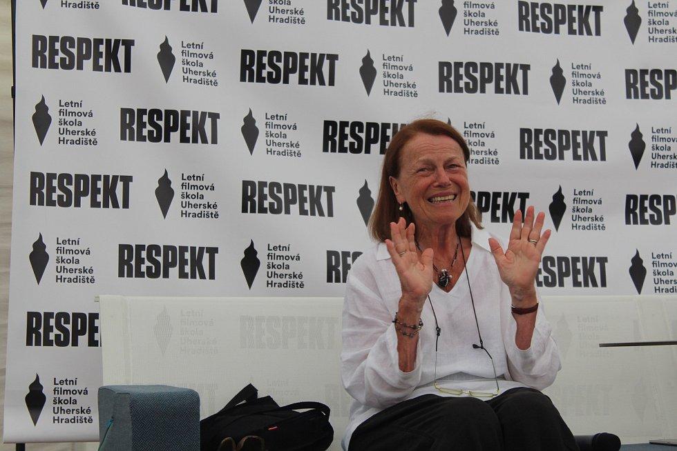 Iva Janžurová divákům ve dvou hodinách povykládála své filmové i divadelní zážitky. Herečka přicházela i odcházela za obrovského potlesku všech přítomných. Ve středu 1. srpna obdržela od Asociace českých filmových klubu Výroční cenu za půlstoletí filmové